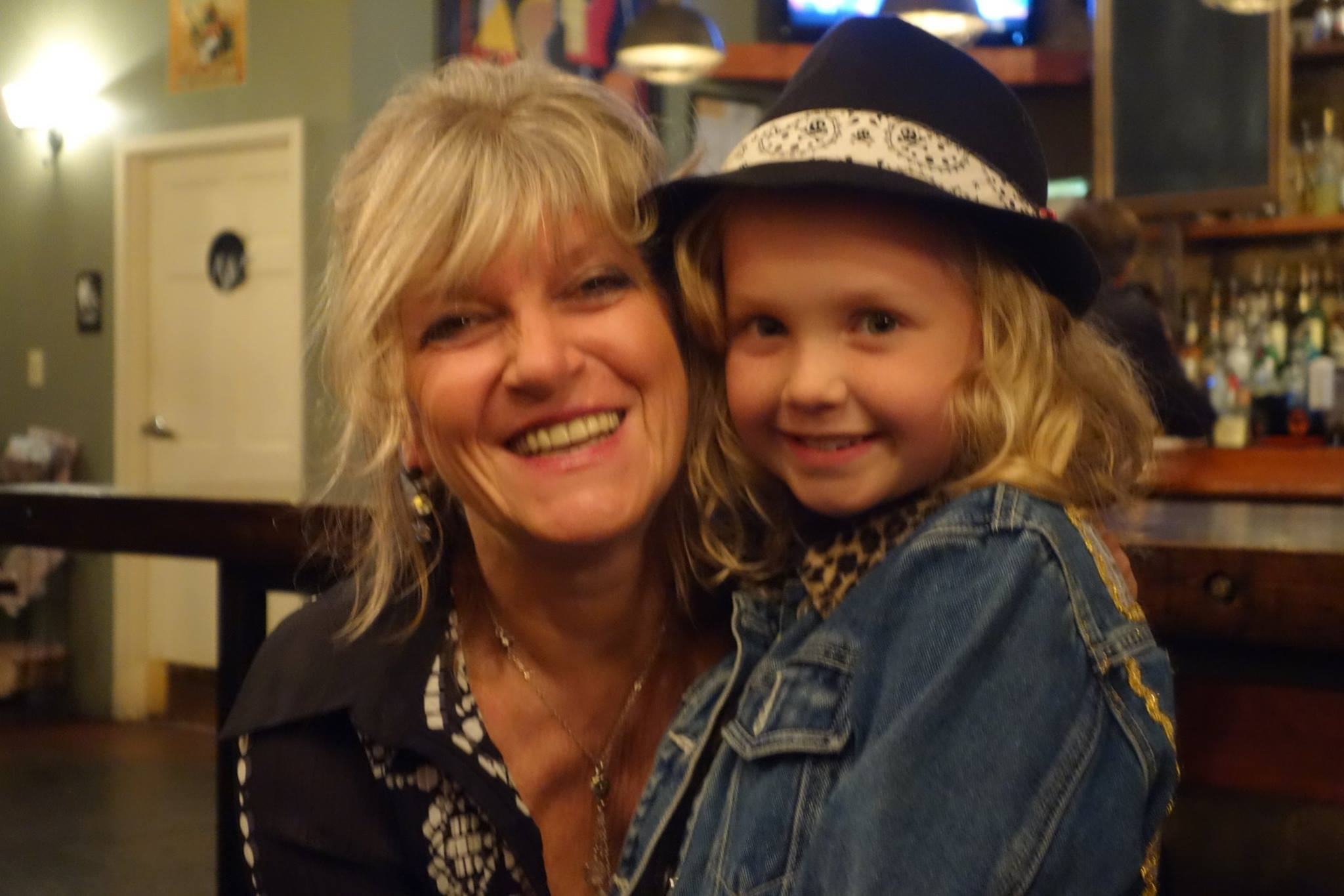 Caroline with Olivia, CD Art Model
